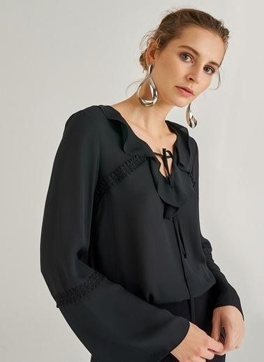 People By Fabrika Volanlı Bluz Siyah